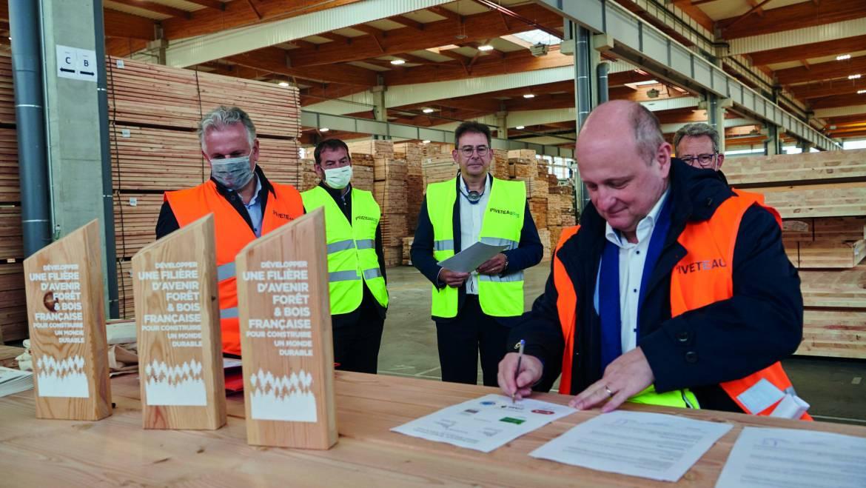 Bouygues Bâtiment en quête de bois français